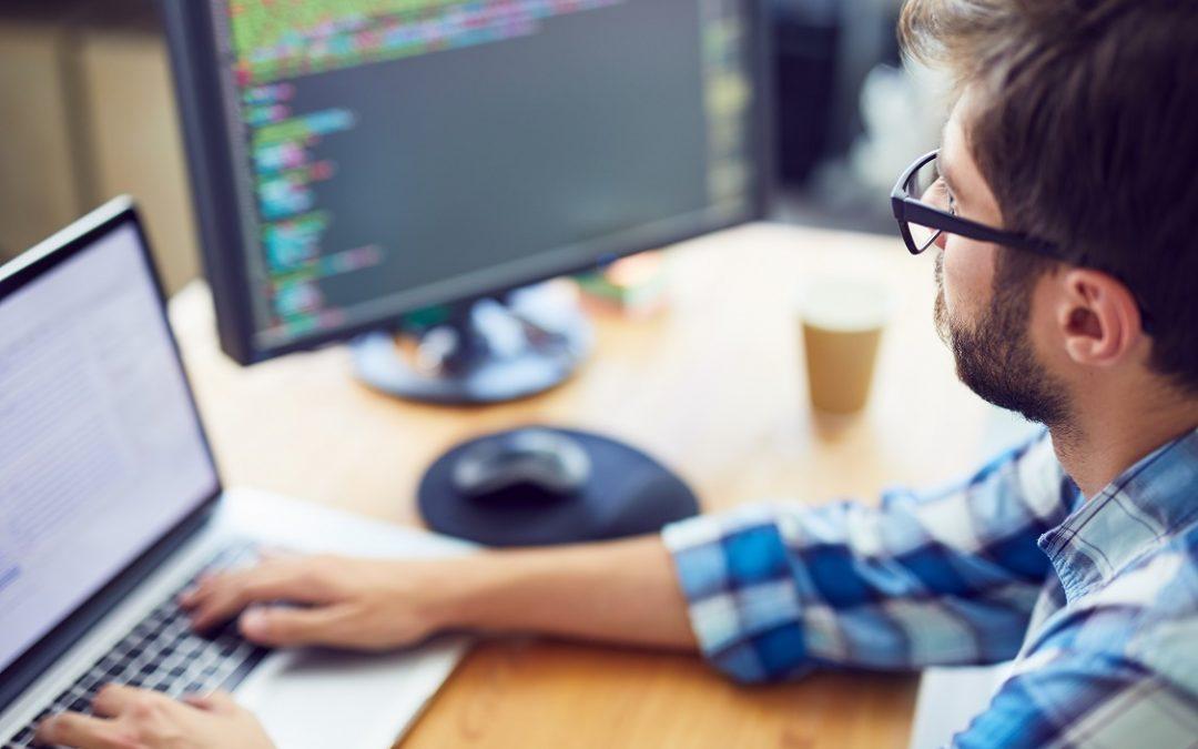 وظائف مطوري برامج وأخصائيين IT شركة قطرية خاصة