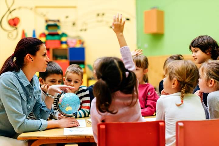 مطلوب معلمين و معلمات فورا للسفر إلى سلطنة عمان