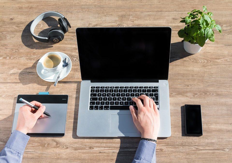 أفضل وظائف للعمل من المنزل عن طريق الإنترنت